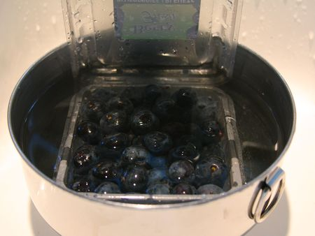 Blueberries-in-hot-water