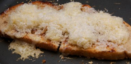 Gooey-crisp-toasted-cheese 3