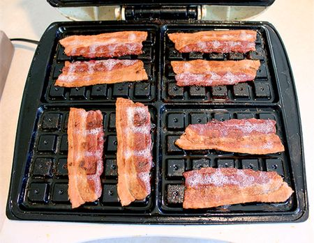 Waffle-maker-bacon-4